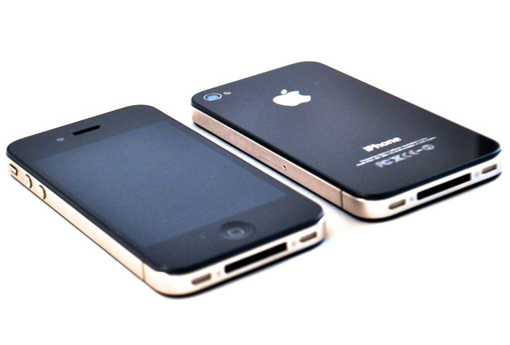 Черный iPhone 4